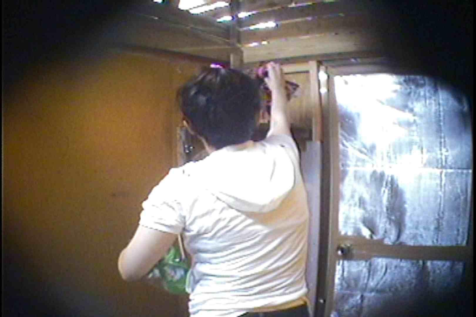 海の家の更衣室 Vol.37 シャワー  63pic 4