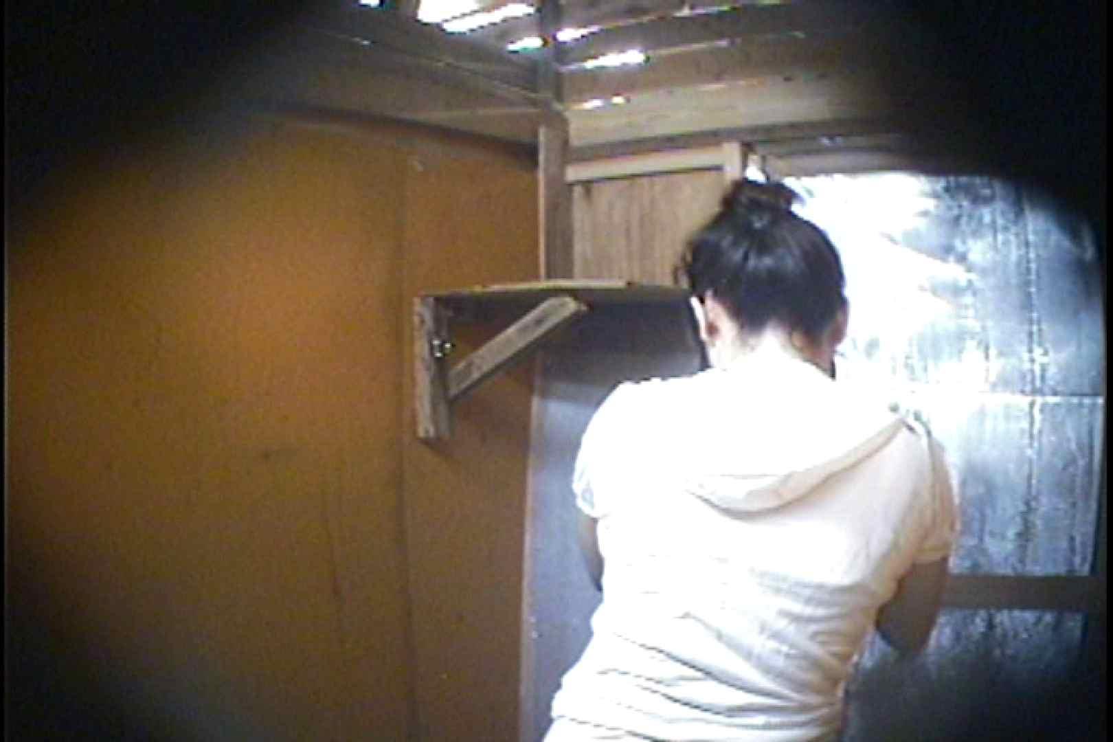 海の家の更衣室 Vol.37 シャワー  63pic 5