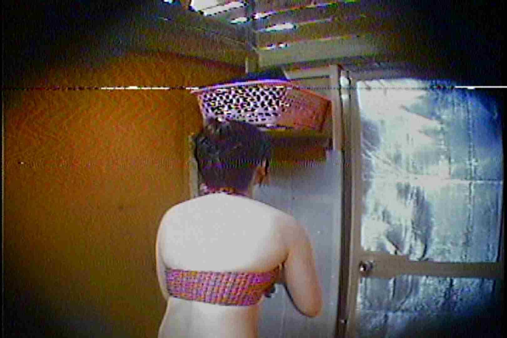 海の家の更衣室 Vol.37 シャワー  63pic 10