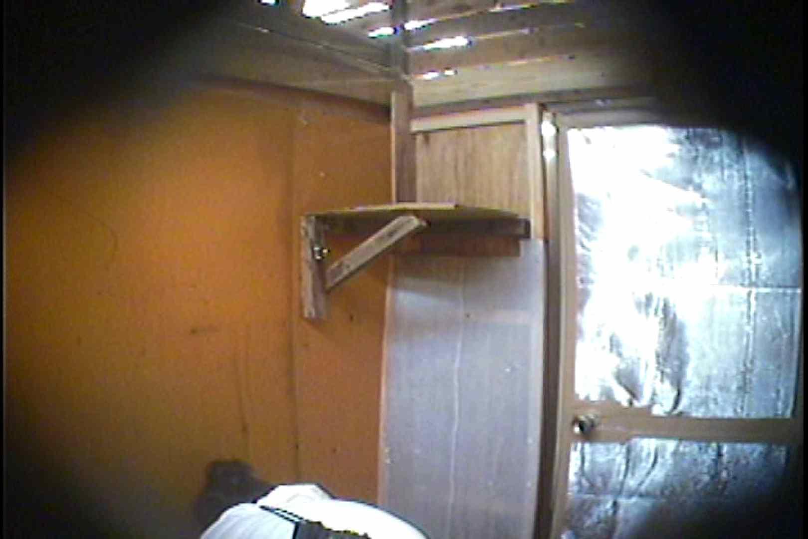 海の家の更衣室 Vol.37 シャワー  63pic 16