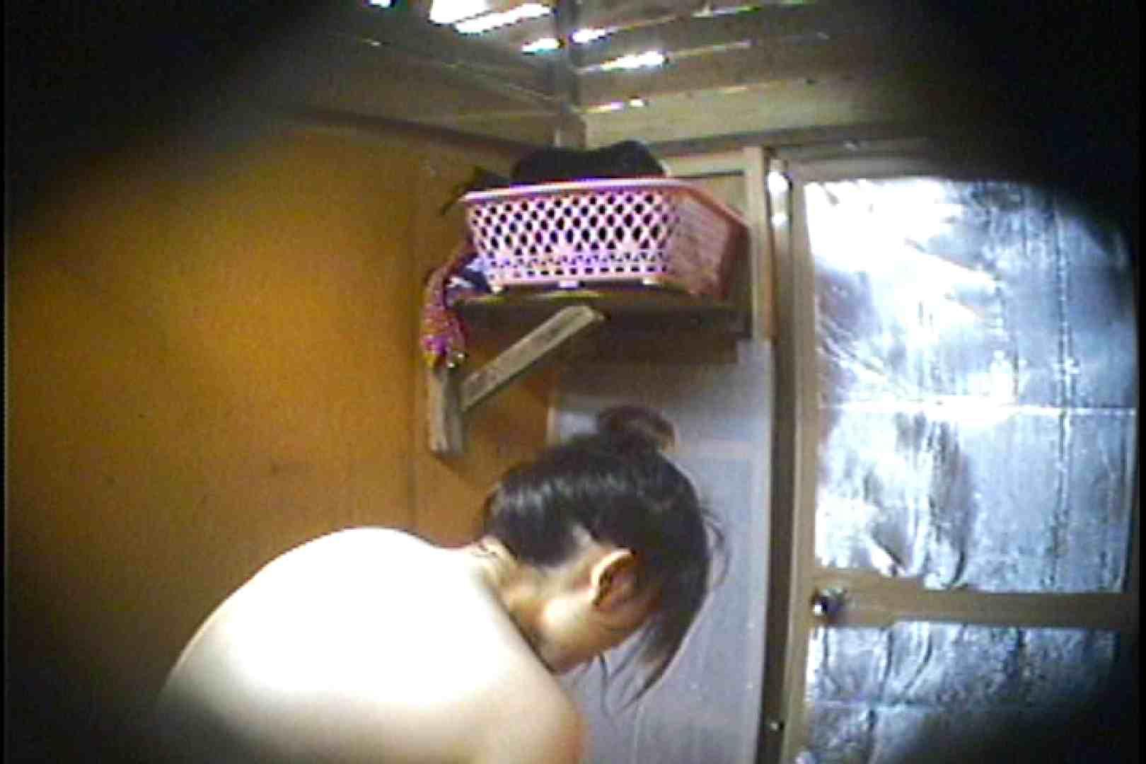 海の家の更衣室 Vol.37 シャワー  63pic 32