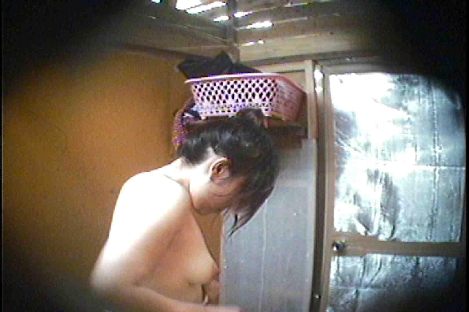 海の家の更衣室 Vol.37 シャワー  63pic 40