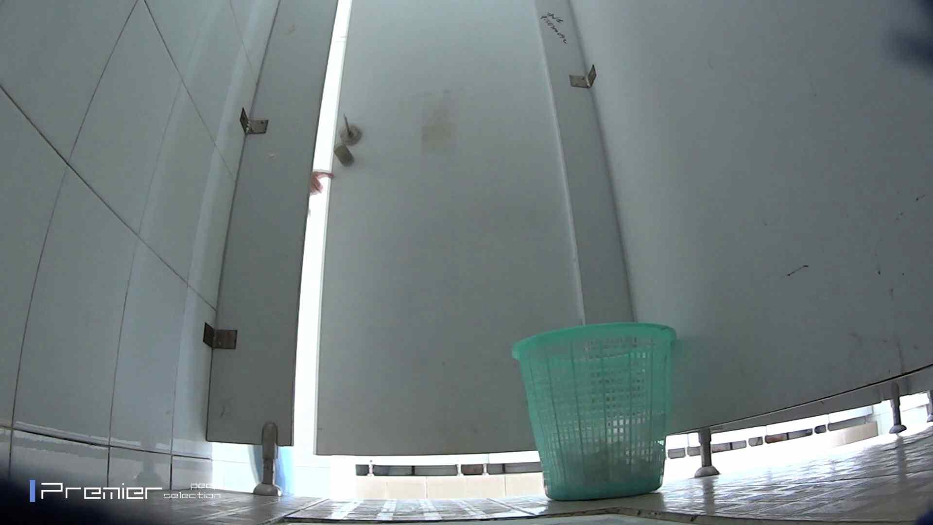 美しい女良たちのトイレ事情 有名大学休憩時間の洗面所事情06 お姉さん  63pic 14