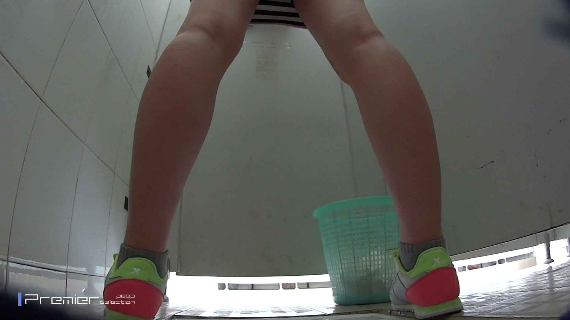 美しい女良たちのトイレ事情 有名大学休憩時間の洗面所事情06 お姉さん  63pic 63