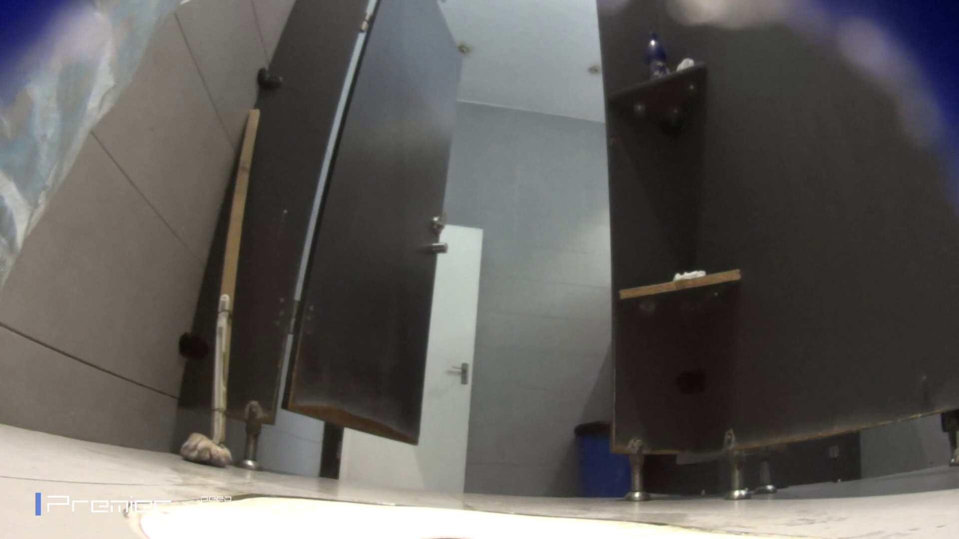 フロントから丸見え! 大学休憩時間の洗面所事情60 洗面所  58pic 36