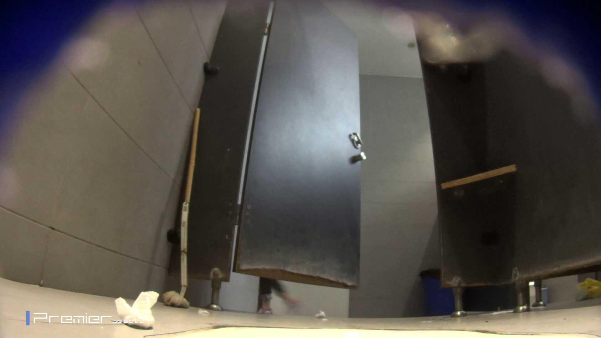 黒スパッツ美女 大学休憩時間の洗面所事情70 美女  68pic 46