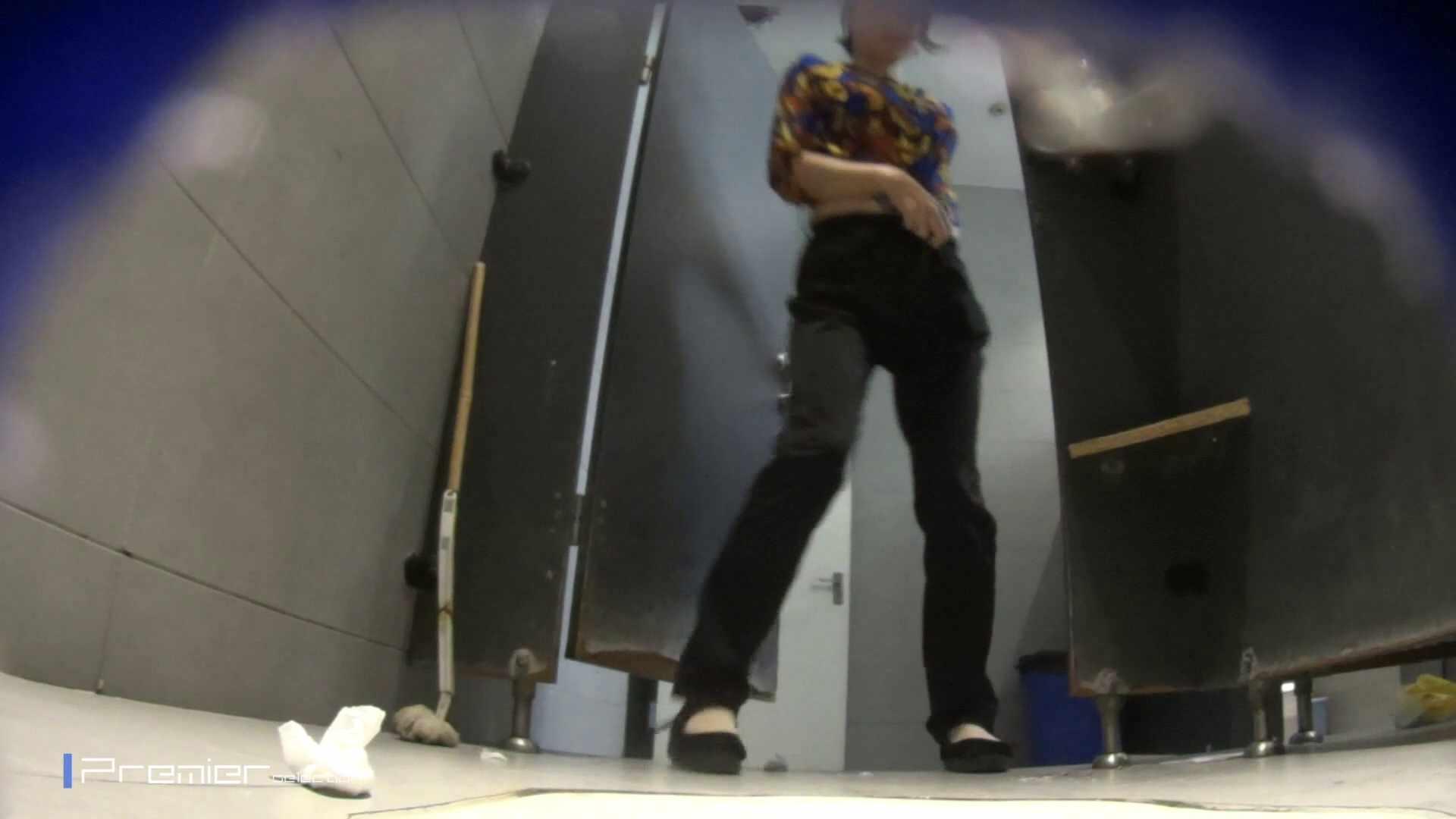 黒スパッツ美女 大学休憩時間の洗面所事情70 美女  68pic 62