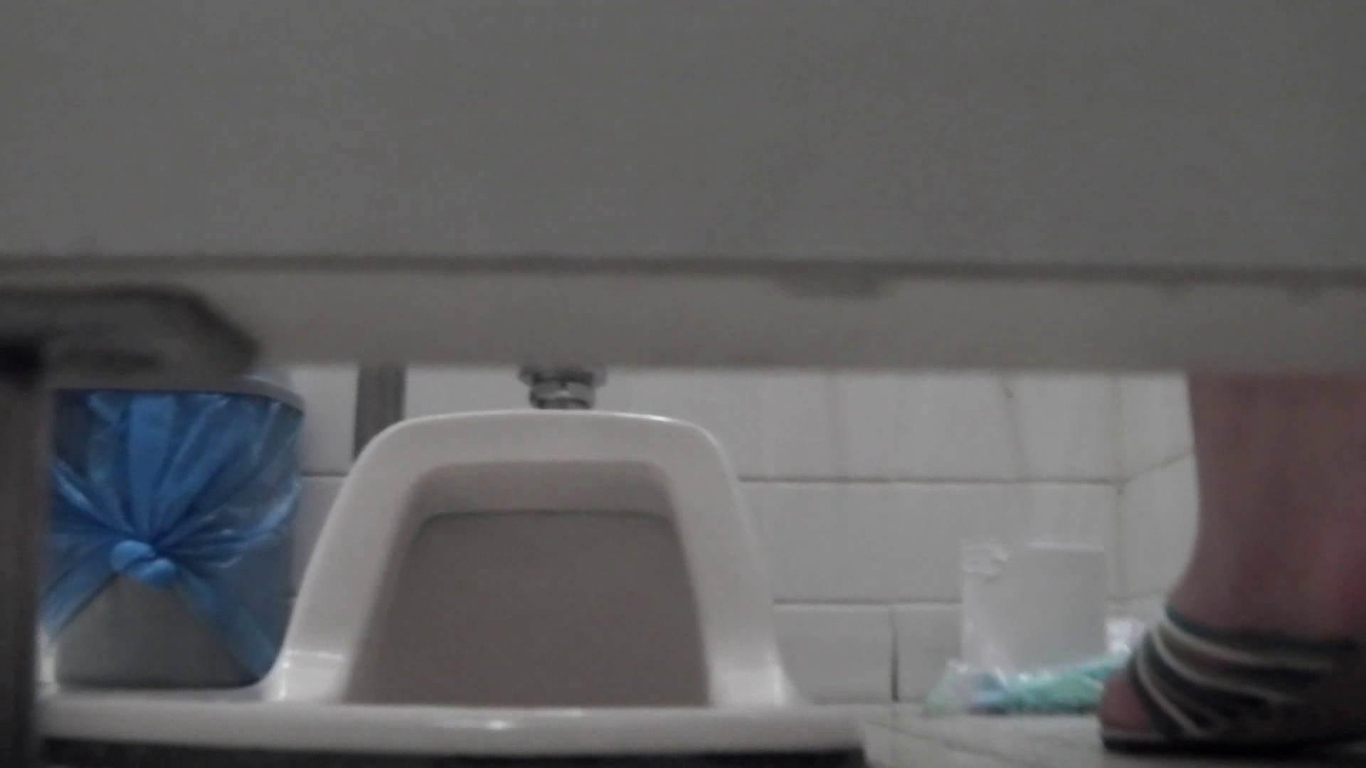 お銀さんの「洗面所突入レポート!!」無料お試し動画!!その2 洗面所  83pic 23