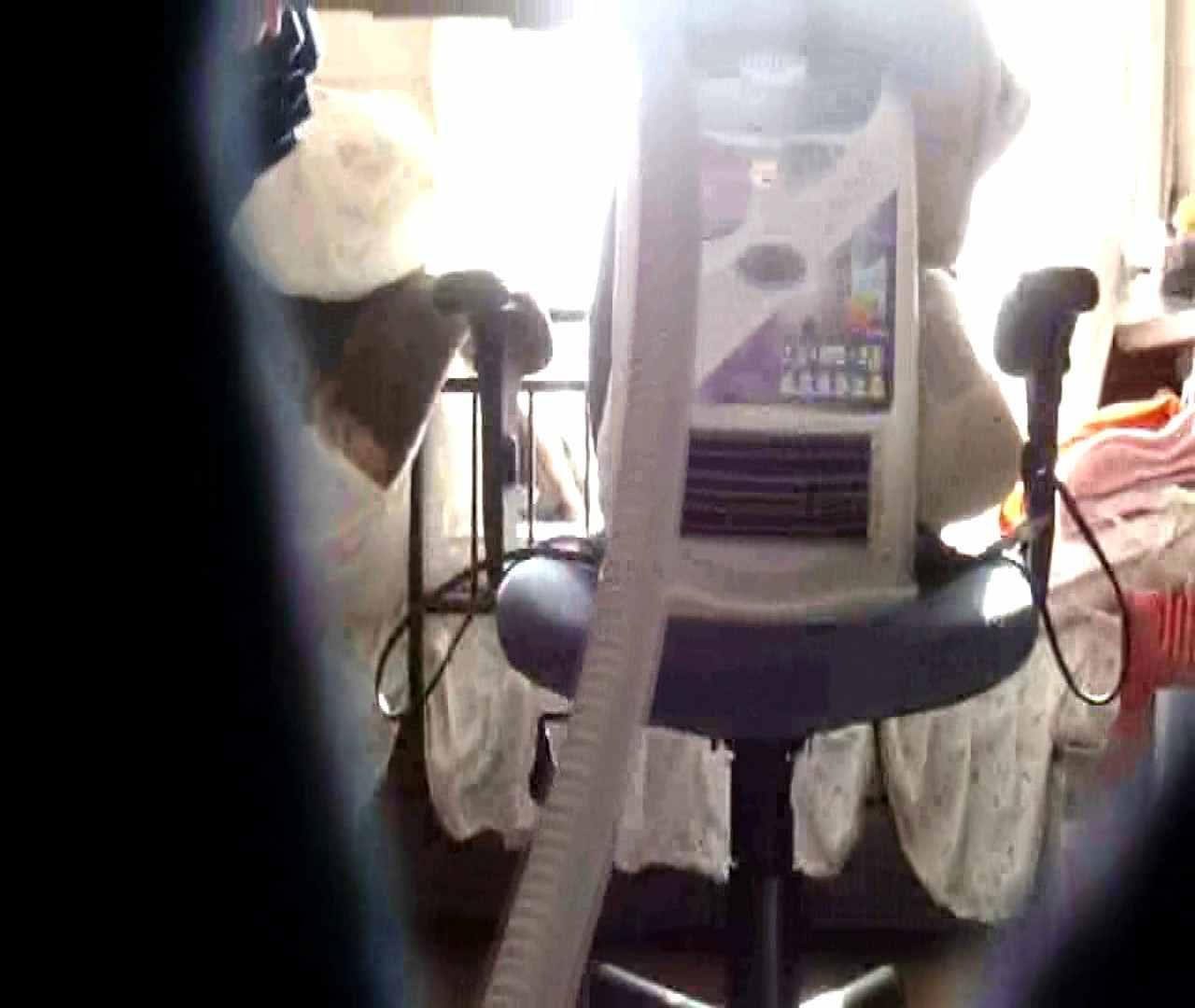 vol.3 まどかがパンツを見せながら部屋掃除、洗面所も少しどうぞ。 OL  87pic 33