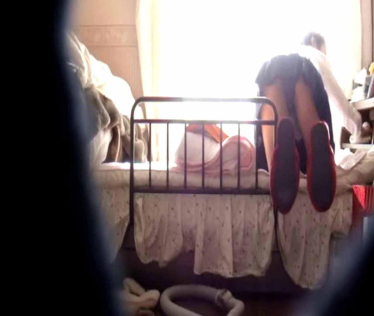 vol.3 まどかがパンツを見せながら部屋掃除、洗面所も少しどうぞ。 OL  87pic 66