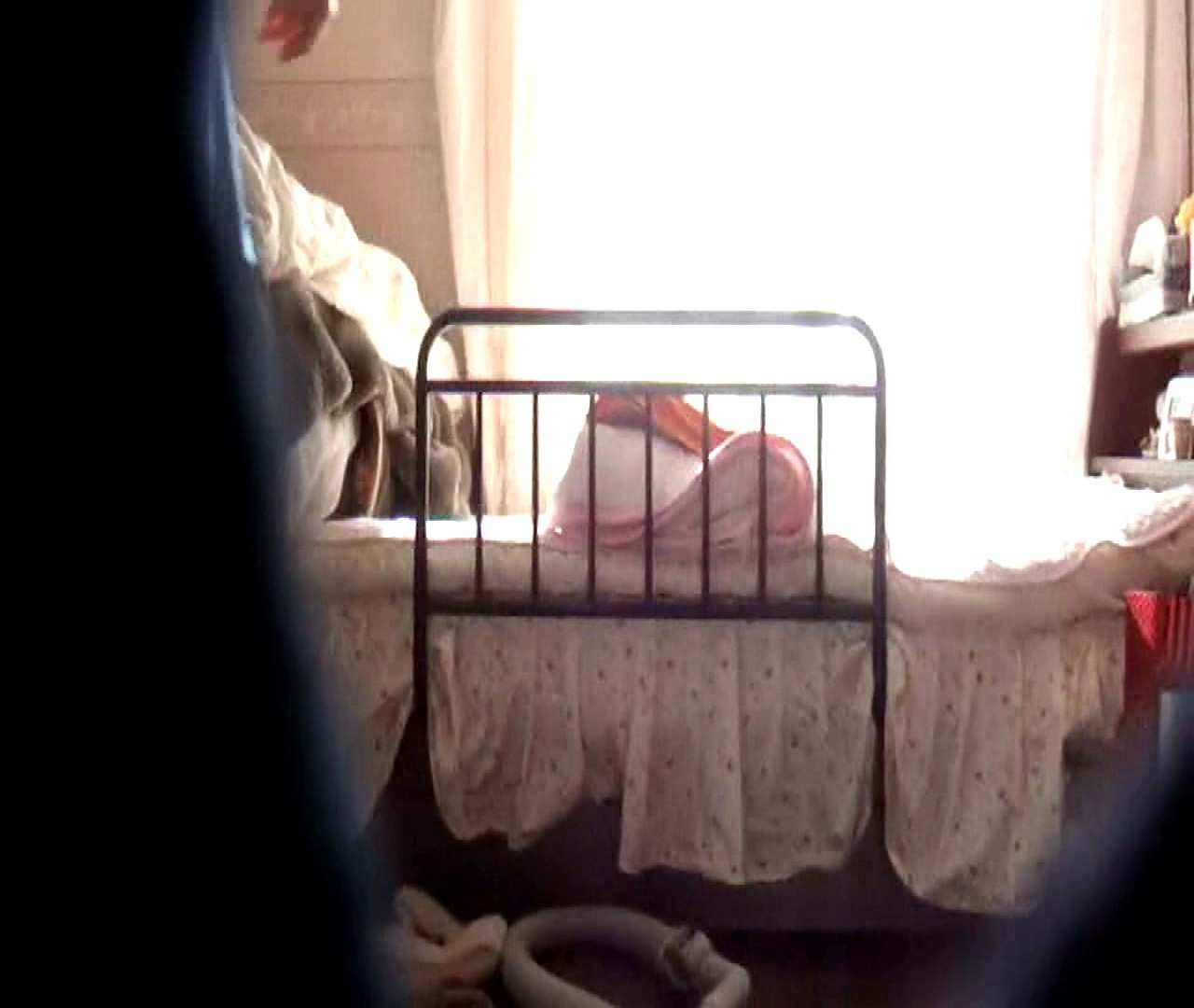 vol.3 まどかがパンツを見せながら部屋掃除、洗面所も少しどうぞ。 OL  87pic 79