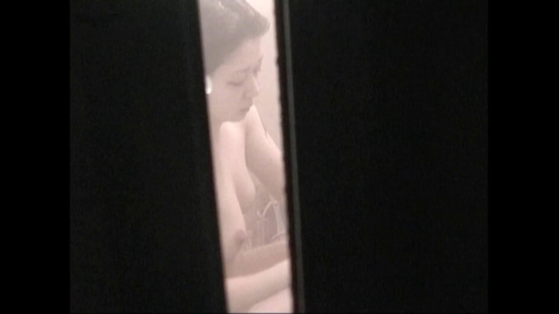 隙間からノゾク風呂 Vol.28 色白のロングヘアー美人がワシャワシャと。 美人  104pic 19