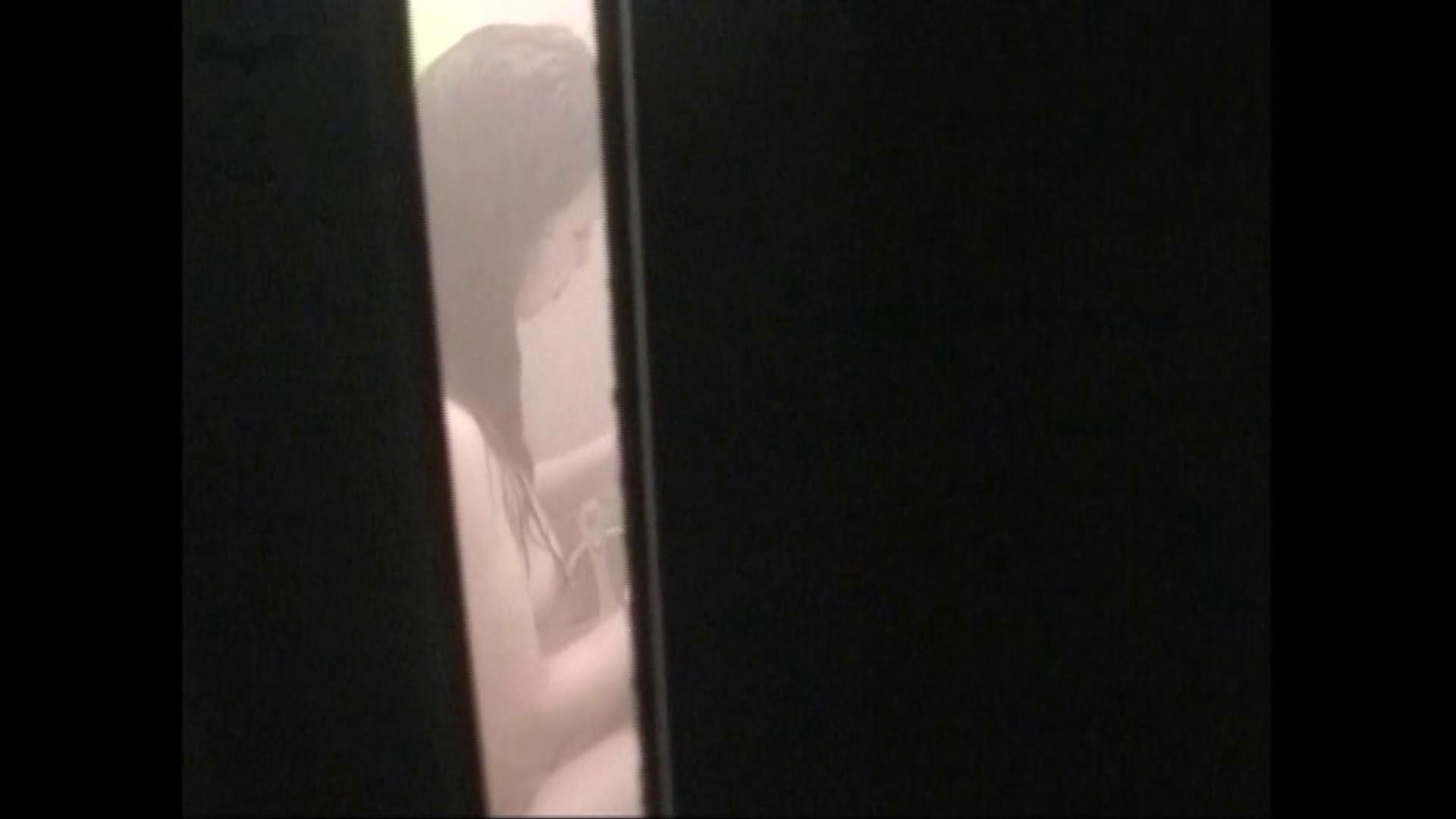 隙間からノゾク風呂 Vol.28 色白のロングヘアー美人がワシャワシャと。 美人  104pic 99
