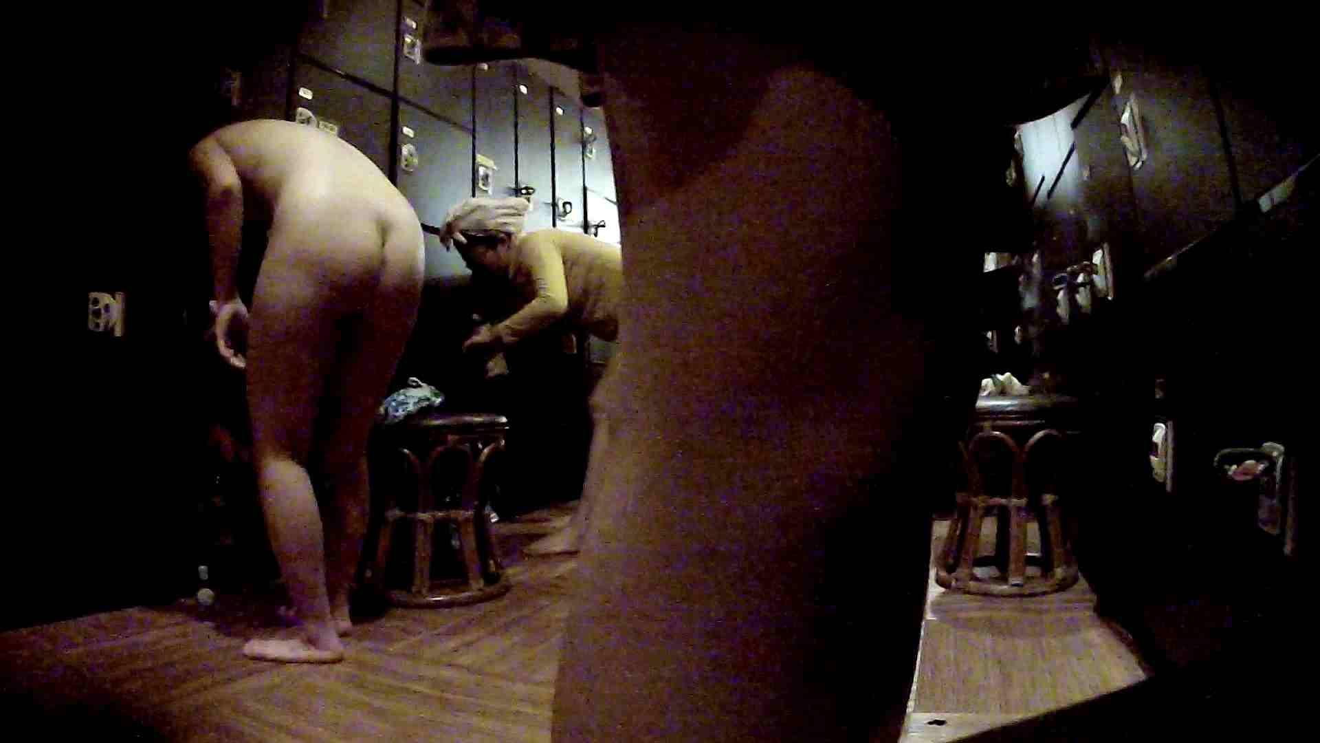 脱衣所!オムニバス 大混雑!注目はあの人の御御足でしょう。 潜入  67pic 18