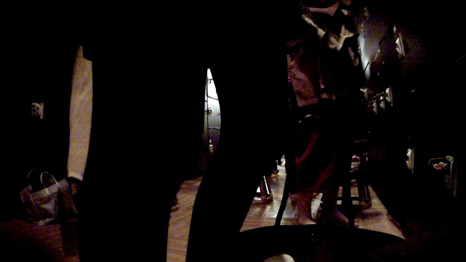 脱衣所!オムニバス 大混雑!注目はあの人の御御足でしょう。 潜入  67pic 28