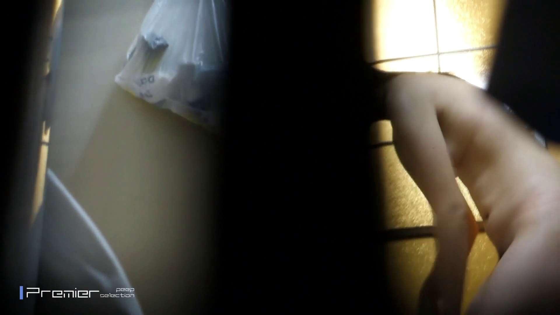 美しい女性のおっぱい隠し撮り 美女達の私生活に潜入! 高画質  110pic 103